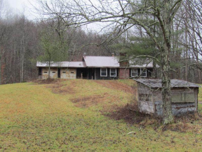 Single Family Homes for Sale at 7811 Andy Hood Road Sparta, Tennessee 38583 United States