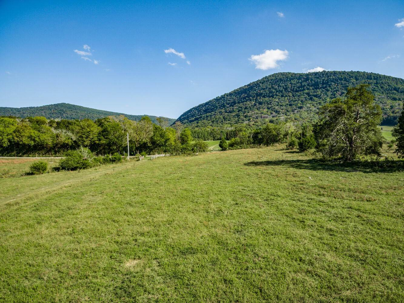 Land for Sale at 33.2ac Upper East Valley Road Pikeville, Tennessee 37367 United States