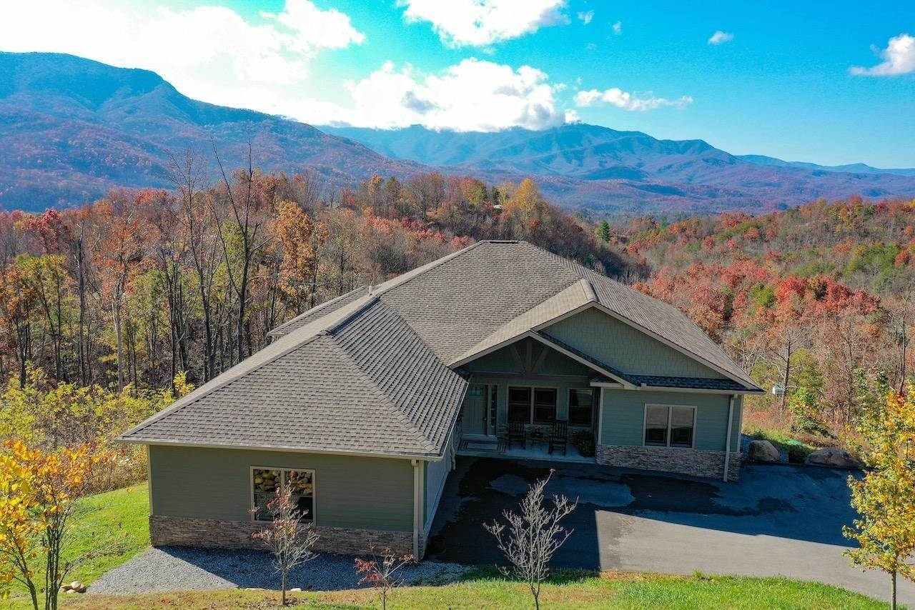 Single Family Homes for Sale at 946 Deer Path Ln Lane Gatlinburg, Tennessee 37738 United States