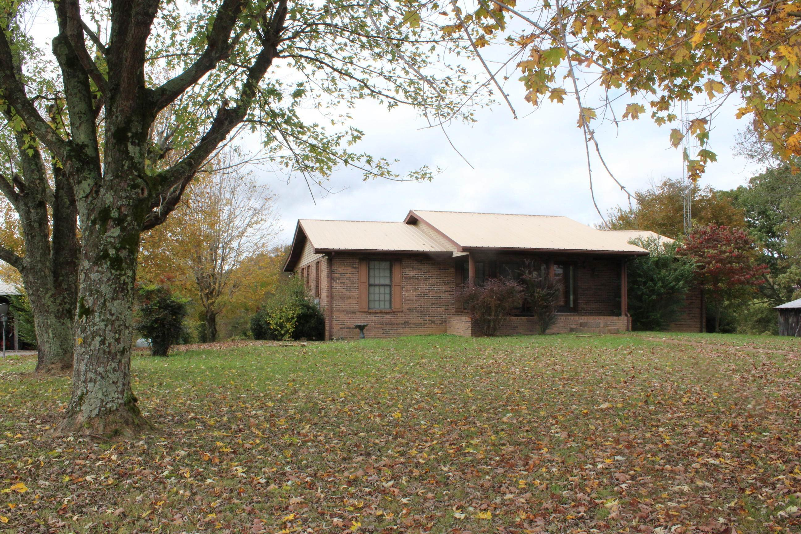 Single Family Homes pour l Vente à 3972 Wolf River Loop Pall Mall, Tennessee 38577 États-Unis