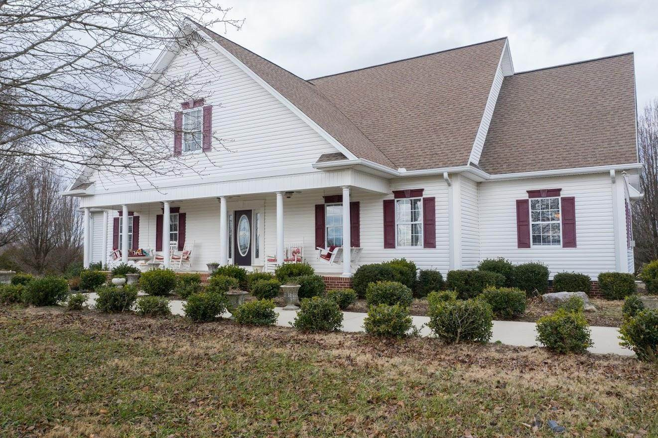 Single Family Homes 为 销售 在 382 W Wilmouth Road Cookeville, 田纳西州 38506 美国