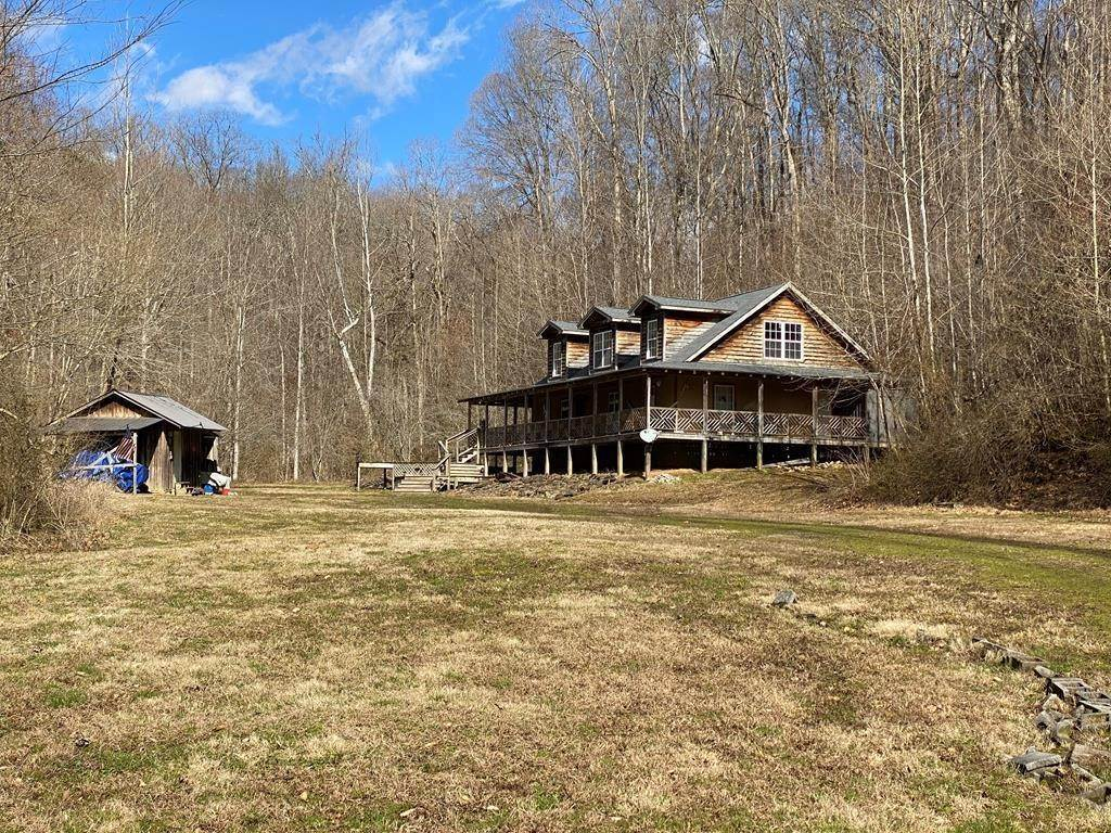 Single Family Homes for Sale at 4841 Old Walland Hwy Walland, Tennessee 37886 United States