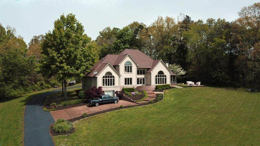 Single Family Homes for Sale at 110 Porterfield Gap Road Seymour, Tennessee 37865 United States