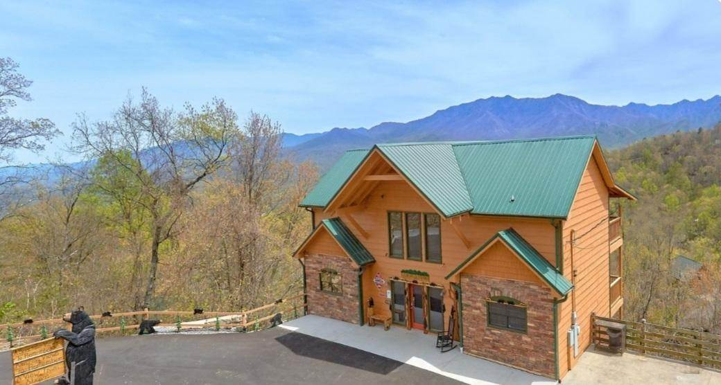 Single Family Homes for Sale at 1173 Ski View Drive Gatlinburg, Tennessee 37738 United States