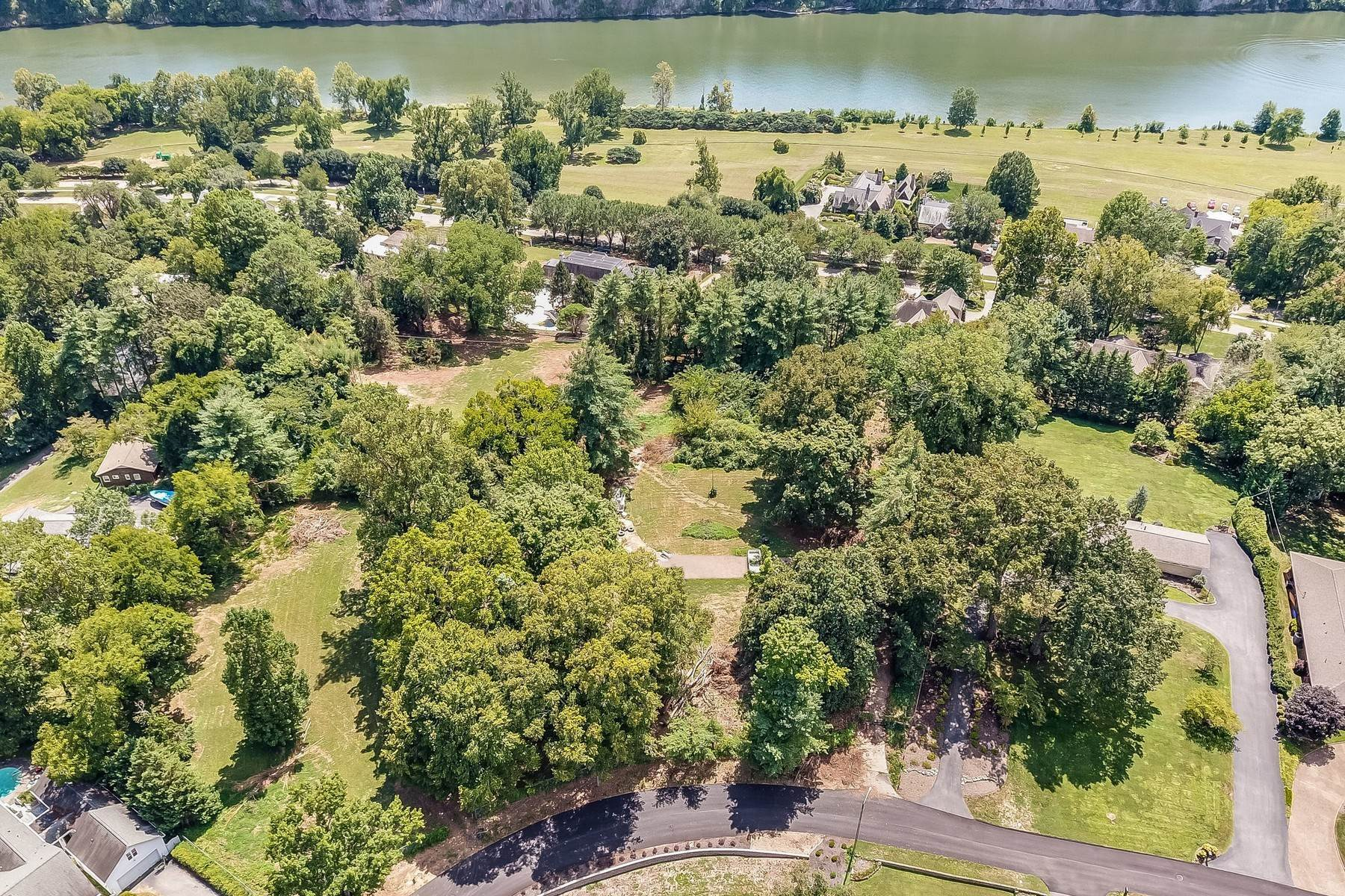 Land for Sale at Sequoyah Hills Lots 3904 Wilani Road Knoxville, Tennessee 37919 United States