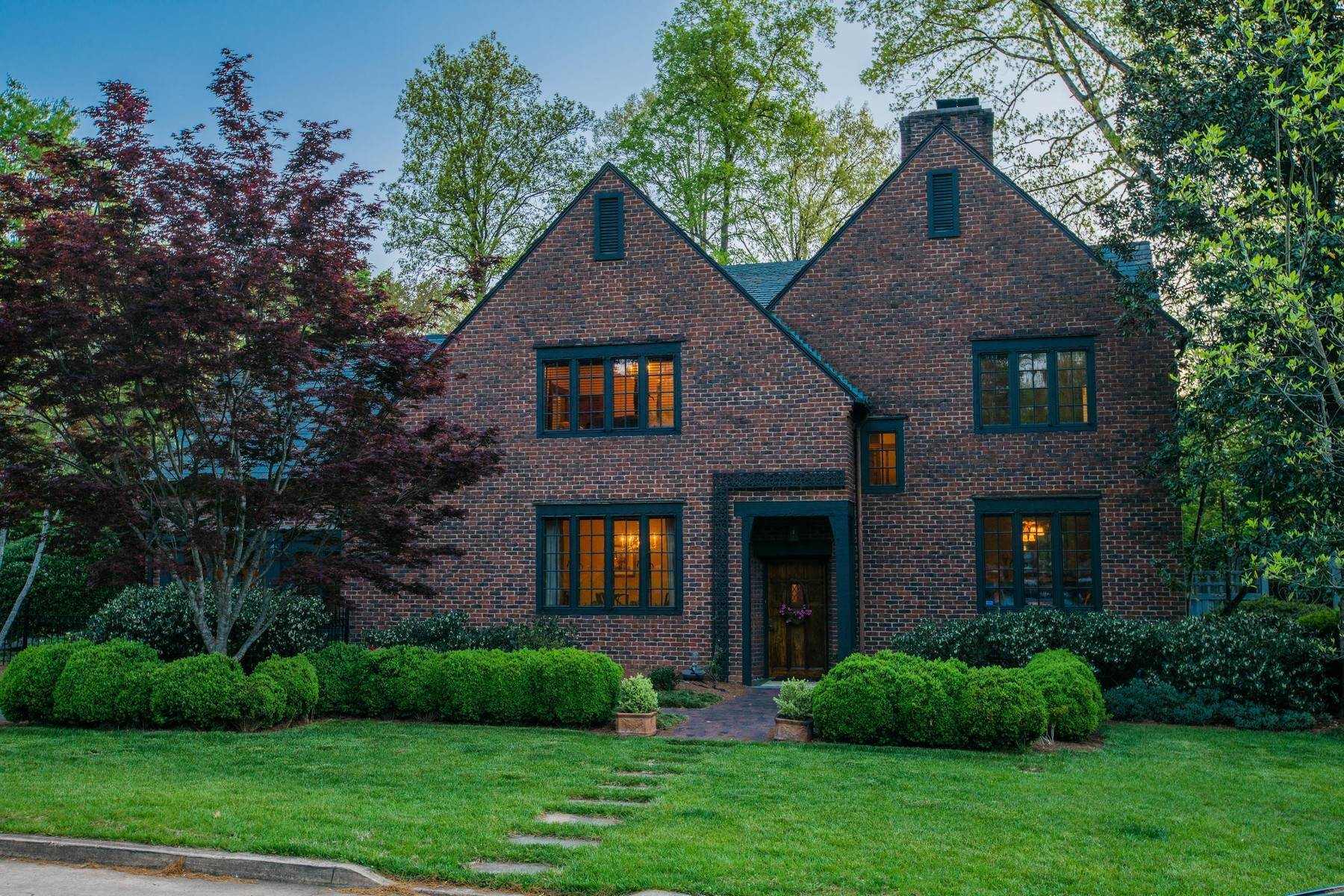 Single Family Homes for Sale at Elegant Tudor Home In Sequoyah Hills 3711 Westerwood Drive Knoxville, Tennessee 37919 United States
