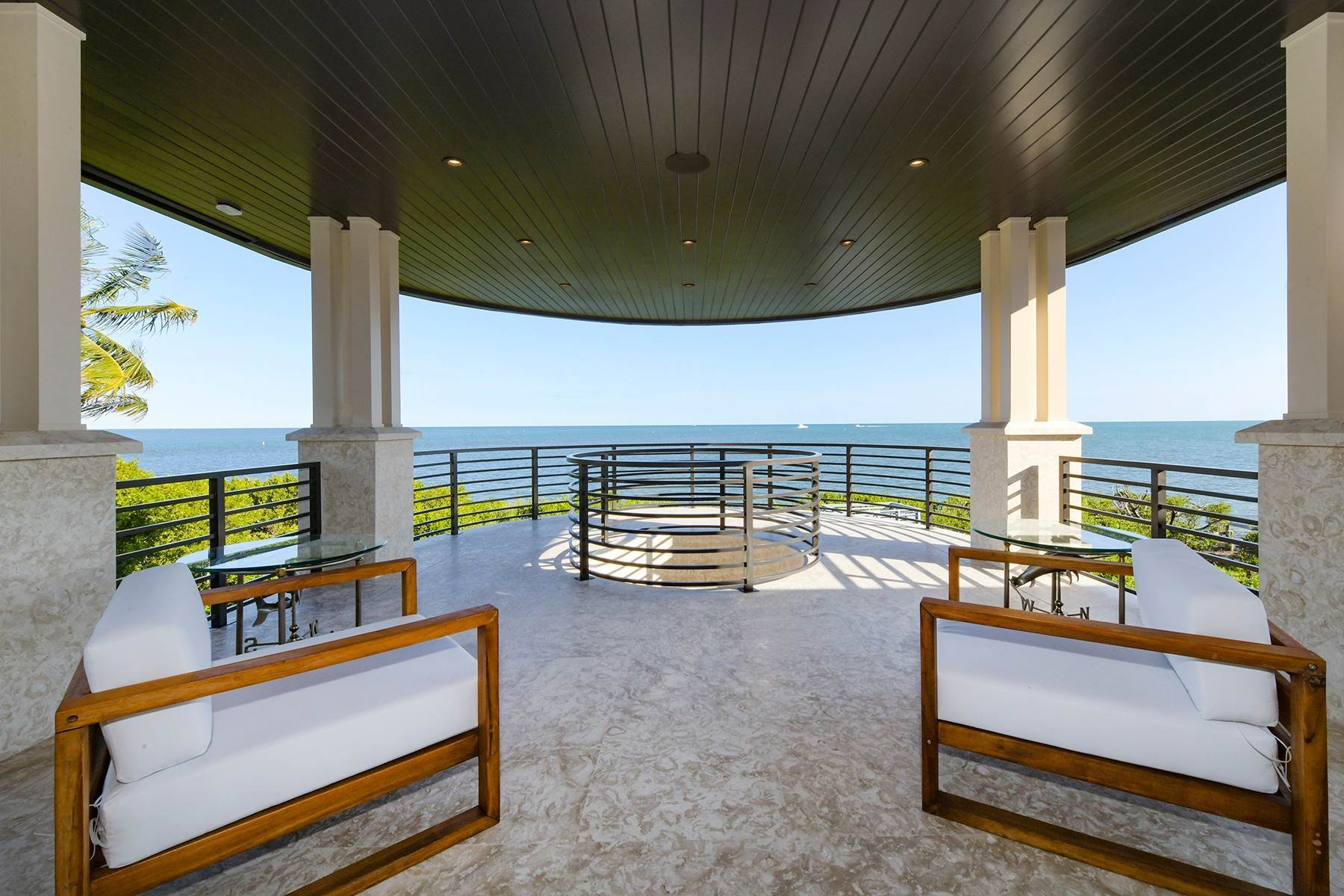 Single Family Homes for Sale at 6 Sunrise Cay Drive, Key Largo, FL 6 Sunrise Cay Drive Key Largo, Florida 33037 United States