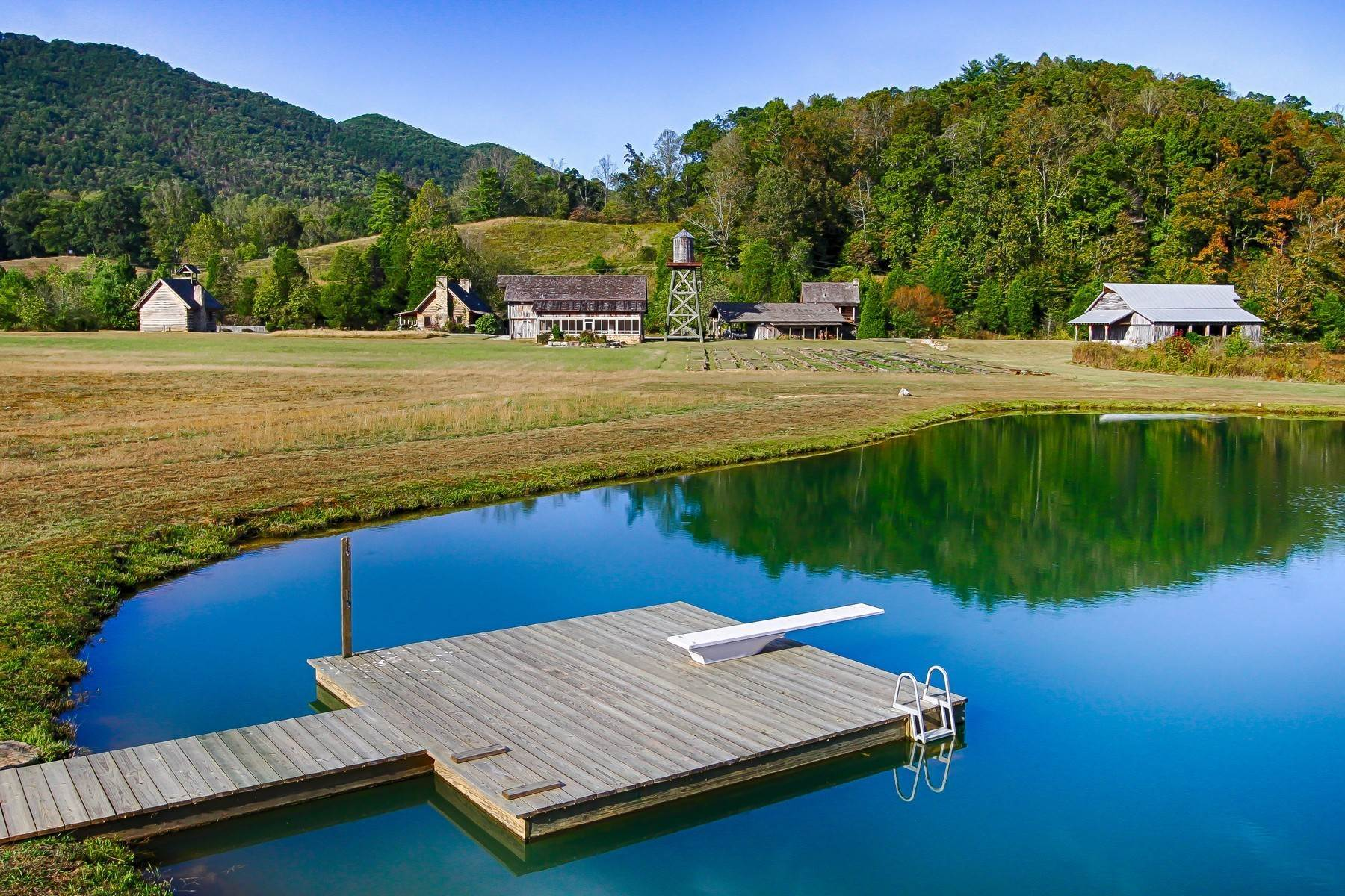 19. Single Family Homes for Sale at Pure Water Farm 501 W. Millers Cove Road Walland, Tennessee 37886 United States