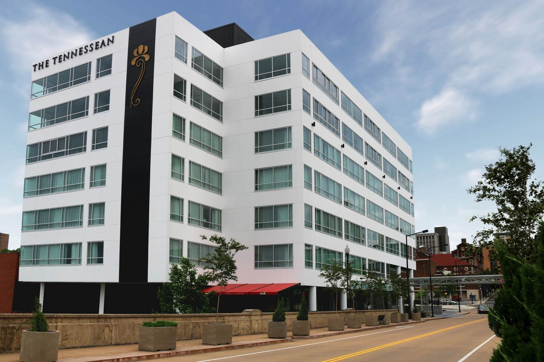 18. Condominiums for Sale at The Tennessean Residences 531 Henley Street, #701 Knoxville, Tennessee 37902 United States