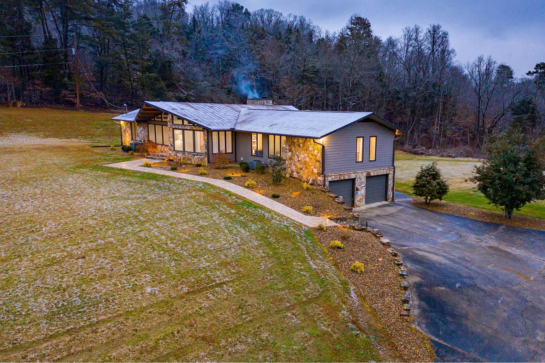 Single Family Homes for Sale at Stunning, Completely Renovated Home On 33 Acres 4306 Douglas Dam Road Kodak, Tennessee 37764 United States