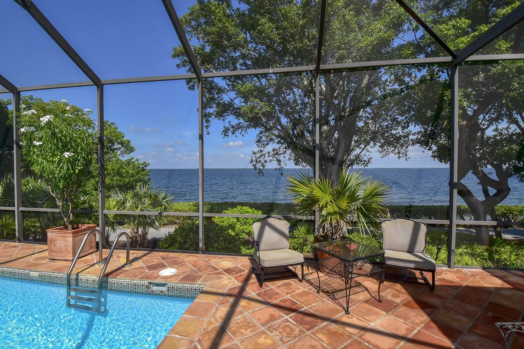 40. Property for Sale at 10 Cannon Point, Key Largo, FL 10 Cannon Point Key Largo, Florida 33037 United States
