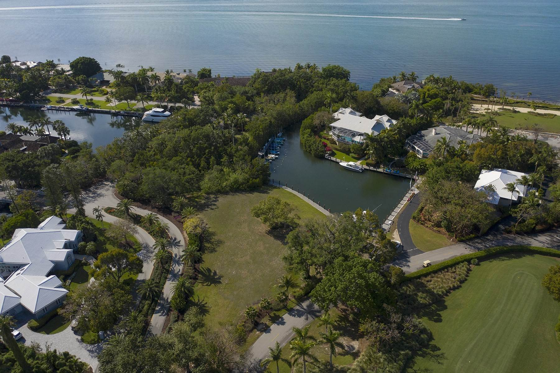 8. Property for Sale at 10 Cannon Point, Key Largo, FL 10 Cannon Point Key Largo, Florida 33037 United States