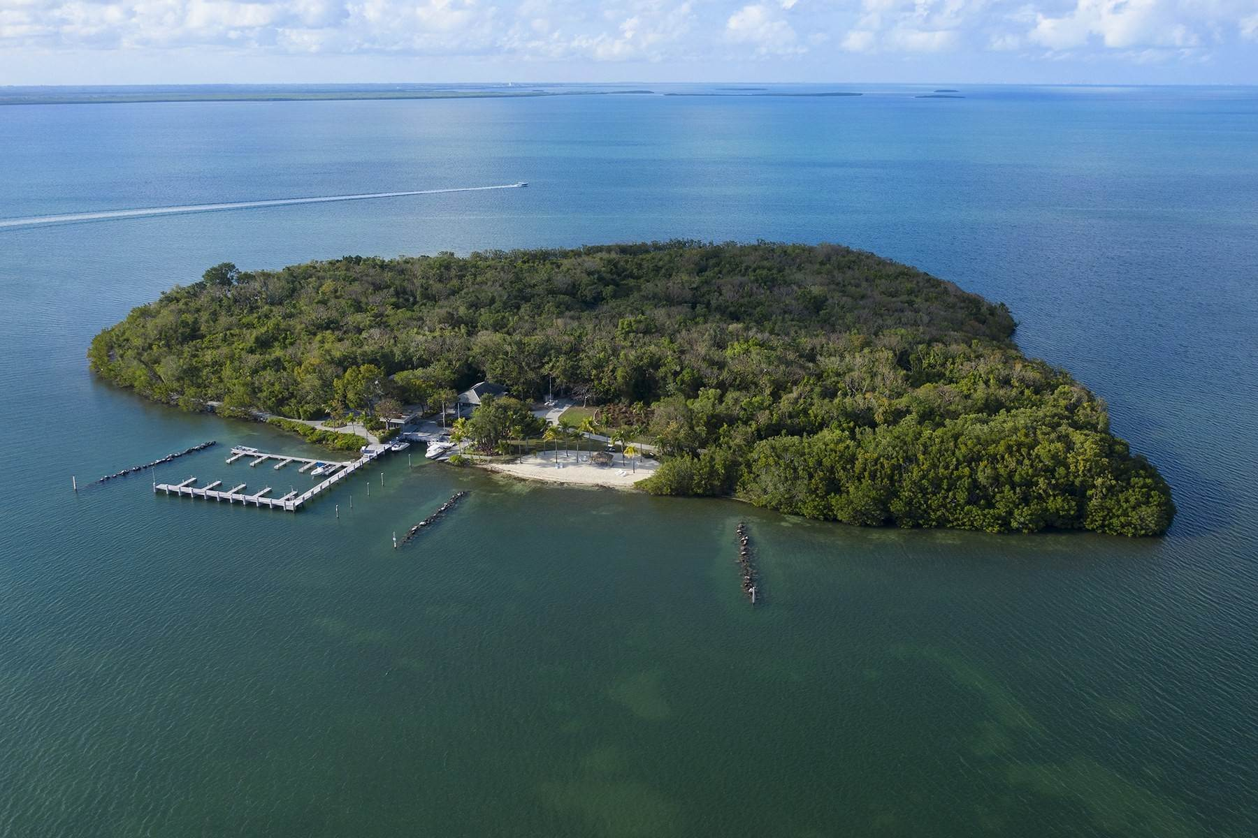 16. Property for Sale at 10 Cannon Point, Key Largo, FL 10 Cannon Point Key Largo, Florida 33037 United States