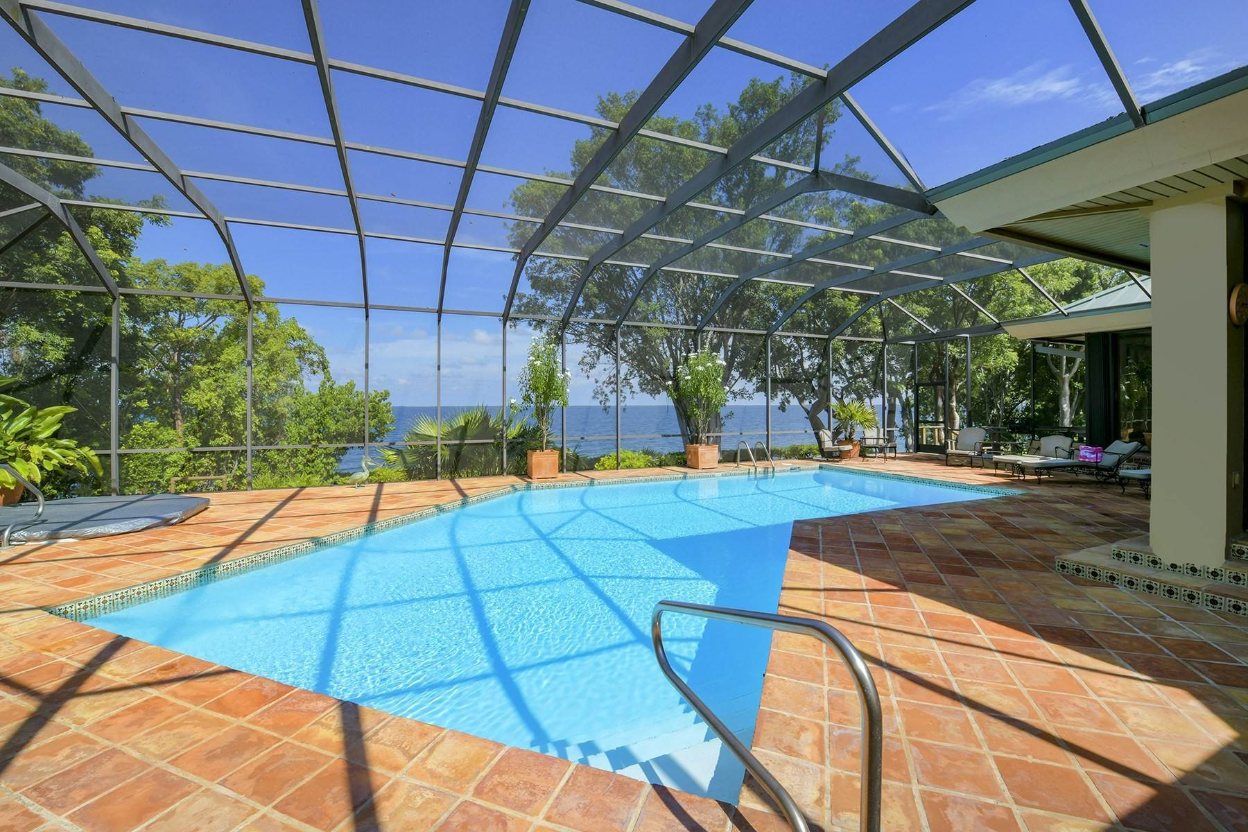 32. Property for Sale at 10 Cannon Point, Key Largo, FL 10 Cannon Point Key Largo, Florida 33037 United States