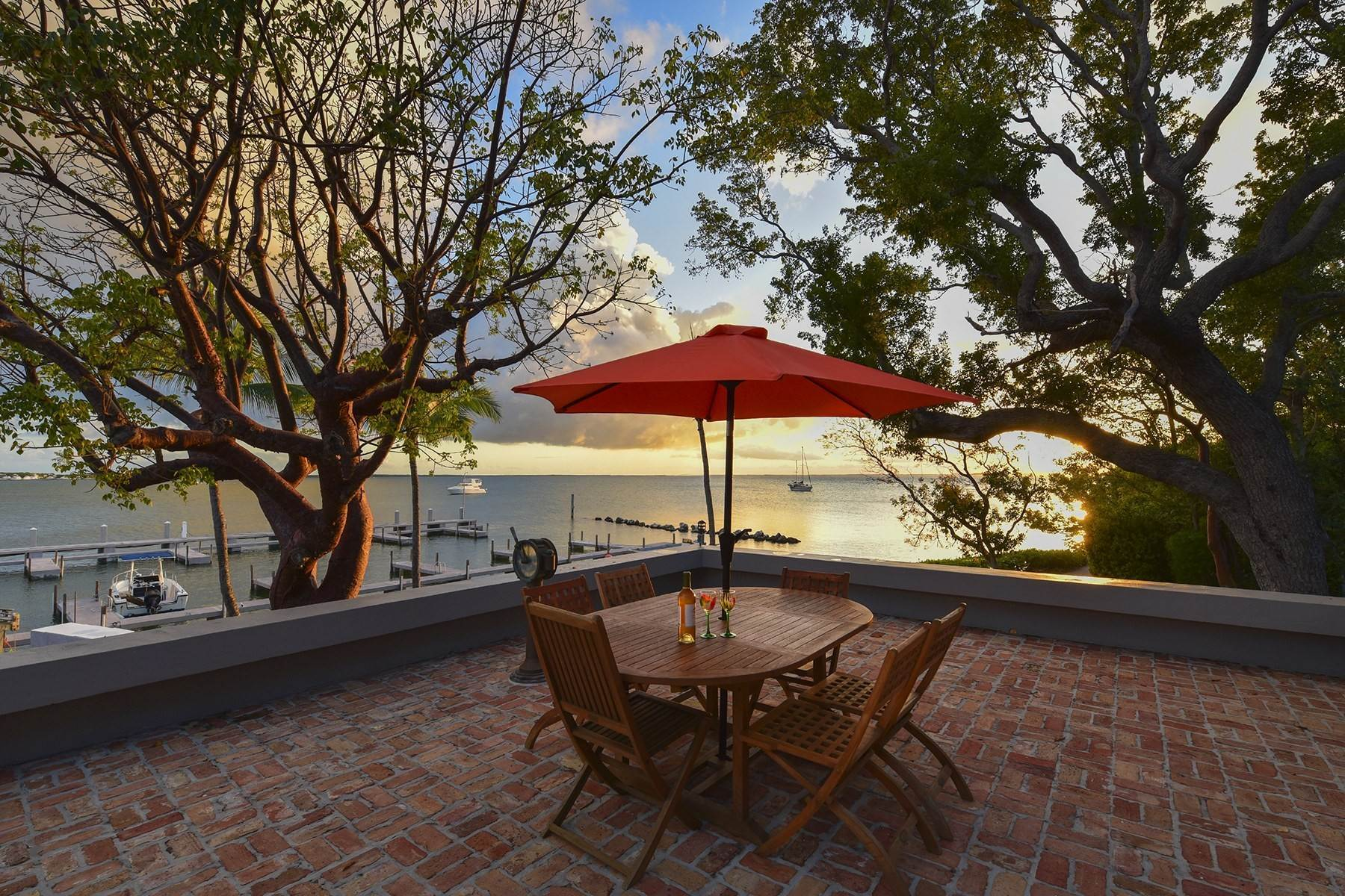 19. Property for Sale at 10 Cannon Point, Key Largo, FL 10 Cannon Point Key Largo, Florida 33037 United States