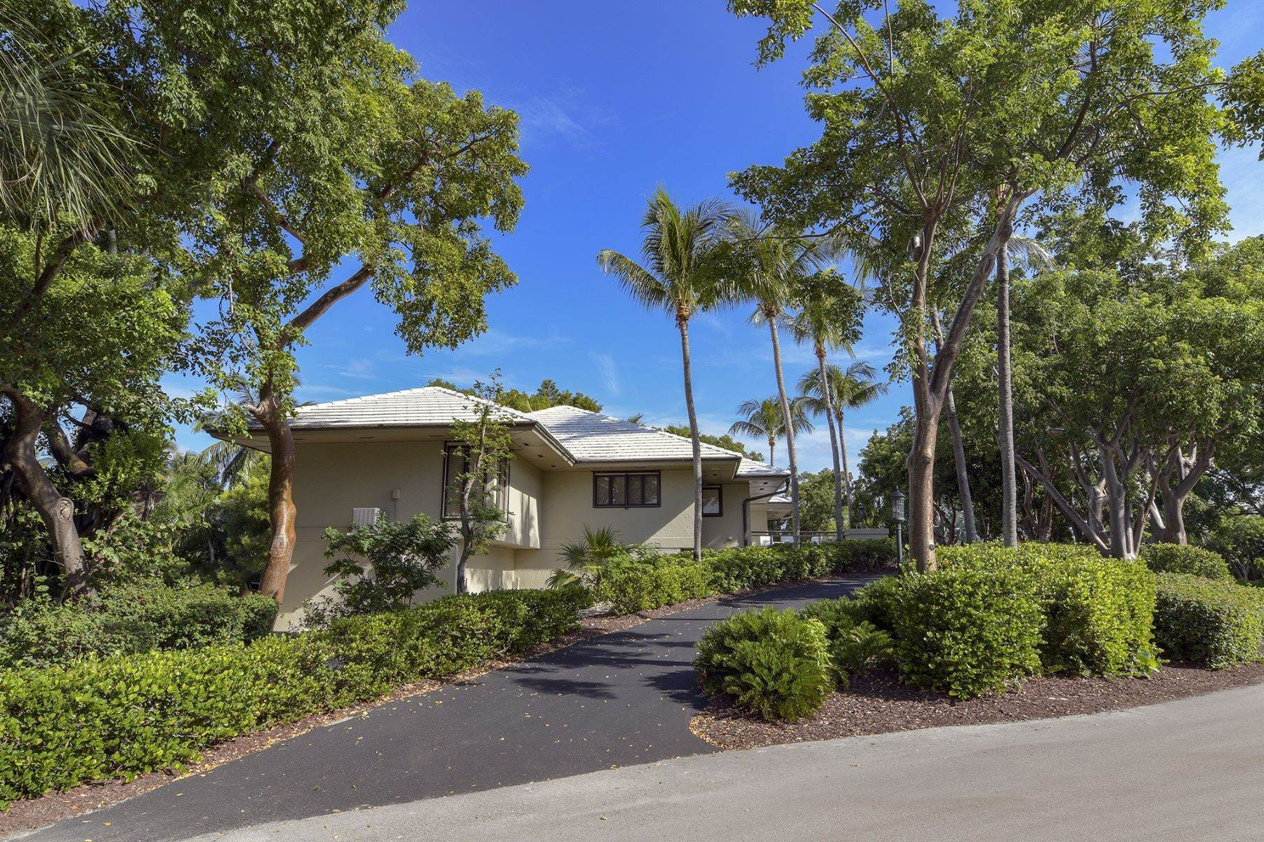 48. Property for Sale at 10 Cannon Point, Key Largo, FL 10 Cannon Point Key Largo, Florida 33037 United States