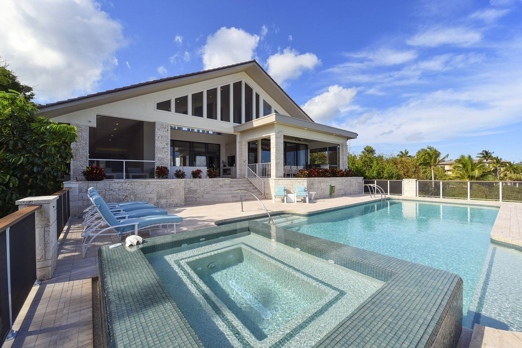 Single Family Homes for Sale at 11 Sunrise Cay Drive Key Largo, Florida 33037 United States
